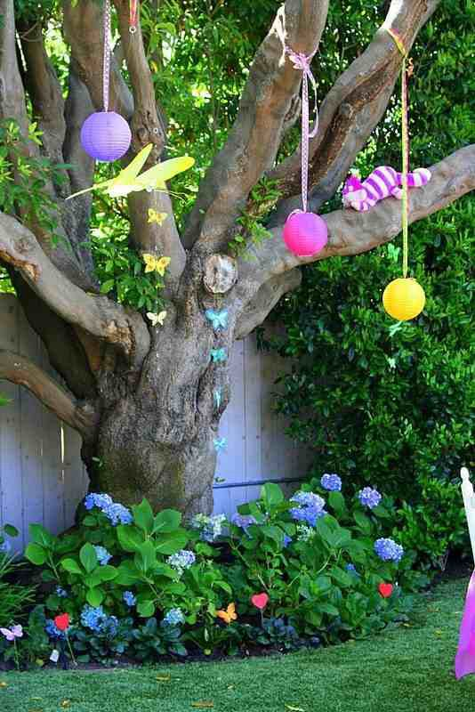 Best Alice In Wonderland Garden Theme Bathhouse Ideas Pinterest This Month