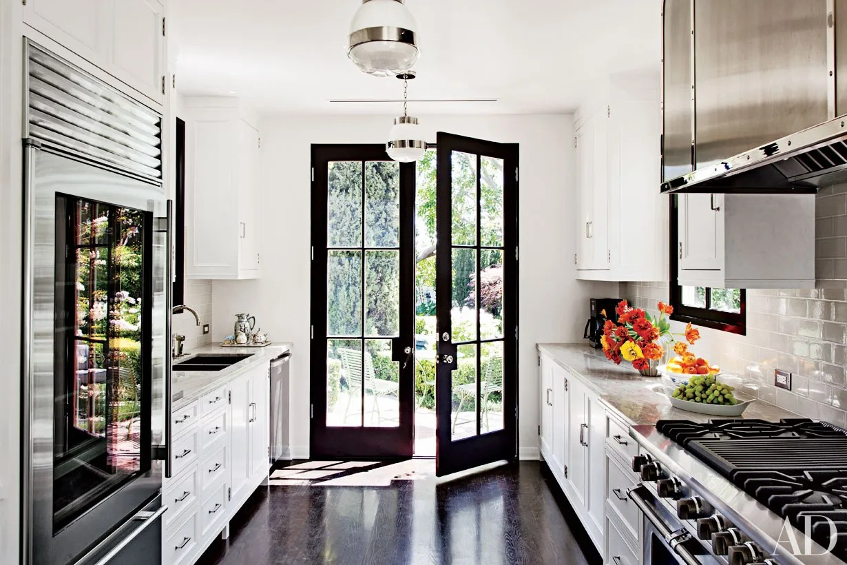 Best 9 Beautiful Black And White Kitchens From The Ad Archives This Month