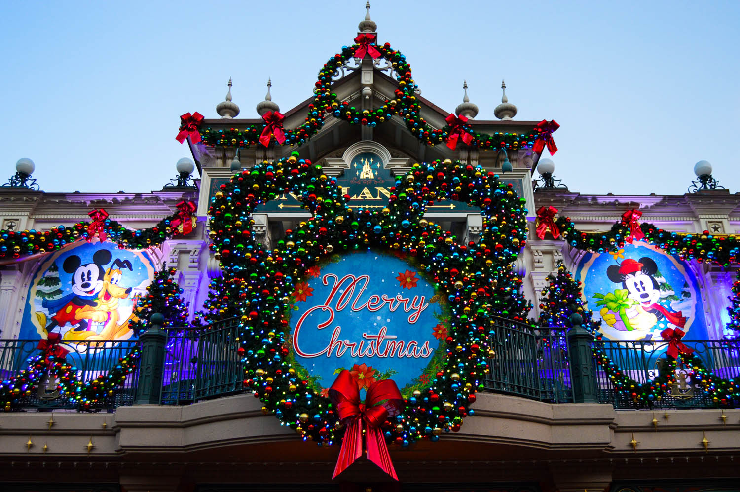 Best A Guide To Celebrating Christmas At Disneyland Paris This Month