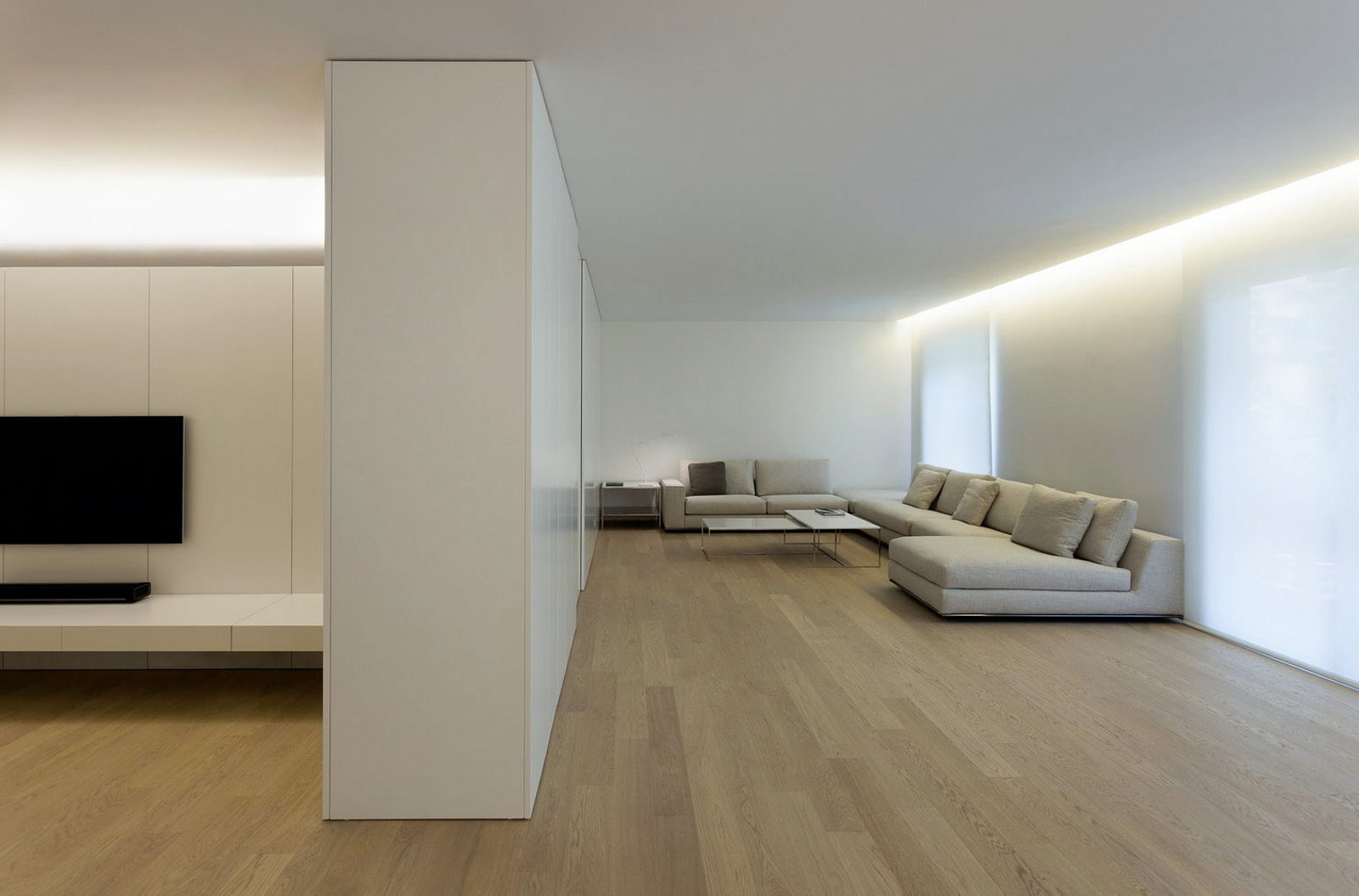 Best Contemporarily Designed Apartment In València By Fran This Month