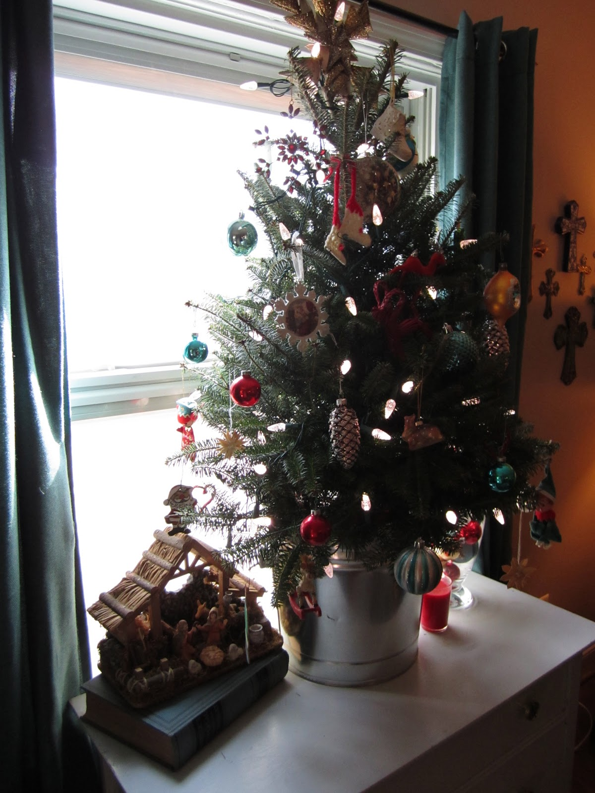 Best Mostaza Seed A Toddler Proof Christmas Tree This Month