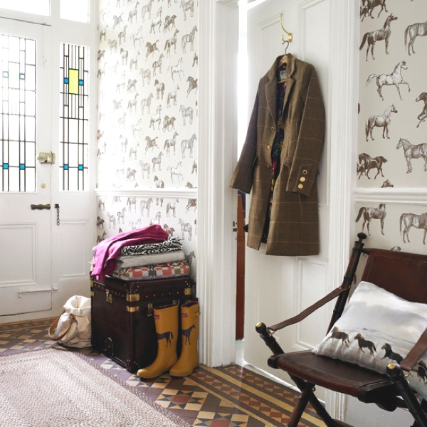 Best Horse Prints In Home Décor Trendsurvivor This Month