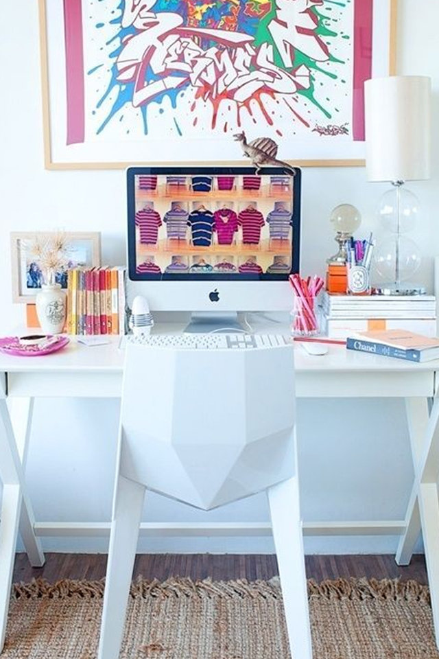 Best Ideas To Decorate Your Office Desk This Month