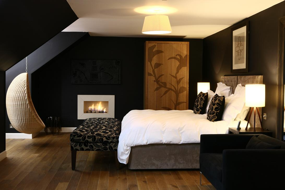 Best Decorating With Black This Month