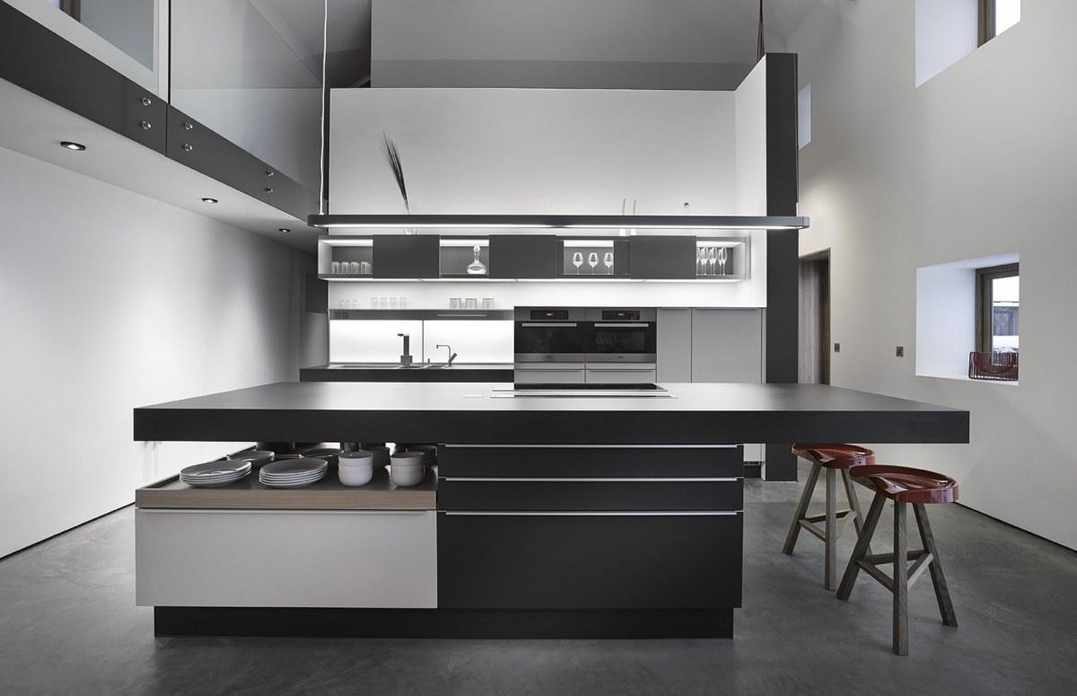 Best 40 Beautiful Black White Kitchen Designs This Month