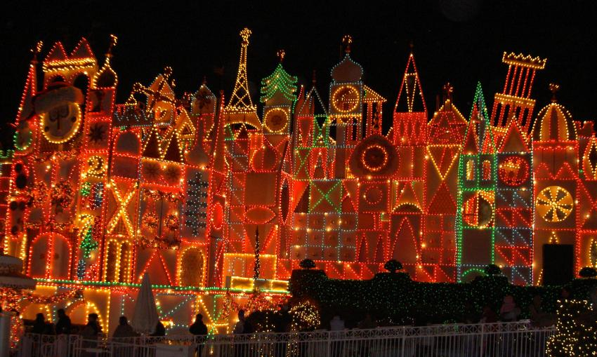 Best Disneyland Christmas Decorations Slideshow This Month