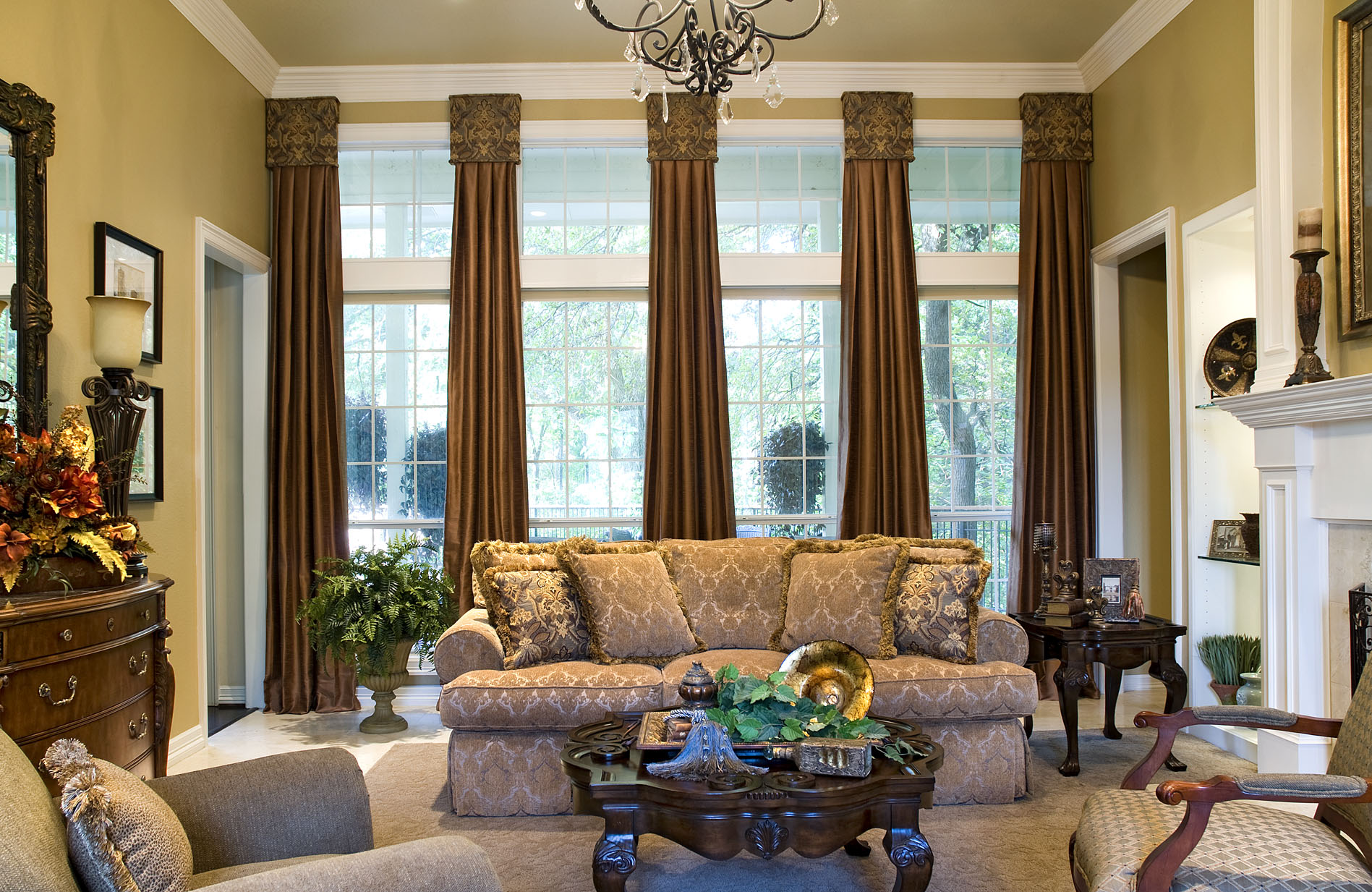 Best Window Treatments With Drama And Panache Decorating Den This Month