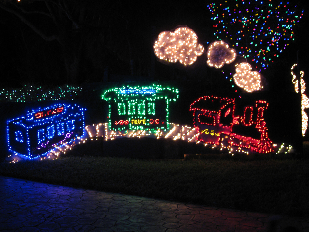 Best Top 10 Biggest Outdoor Christmas Lights House Decorations This Month Original 1024 x 768