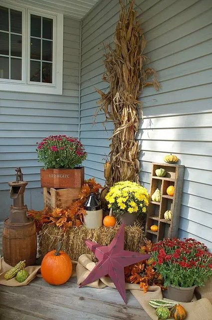Best 57 Cozy Thanksgiving Porch Décor Ideas Digsdigs This Month