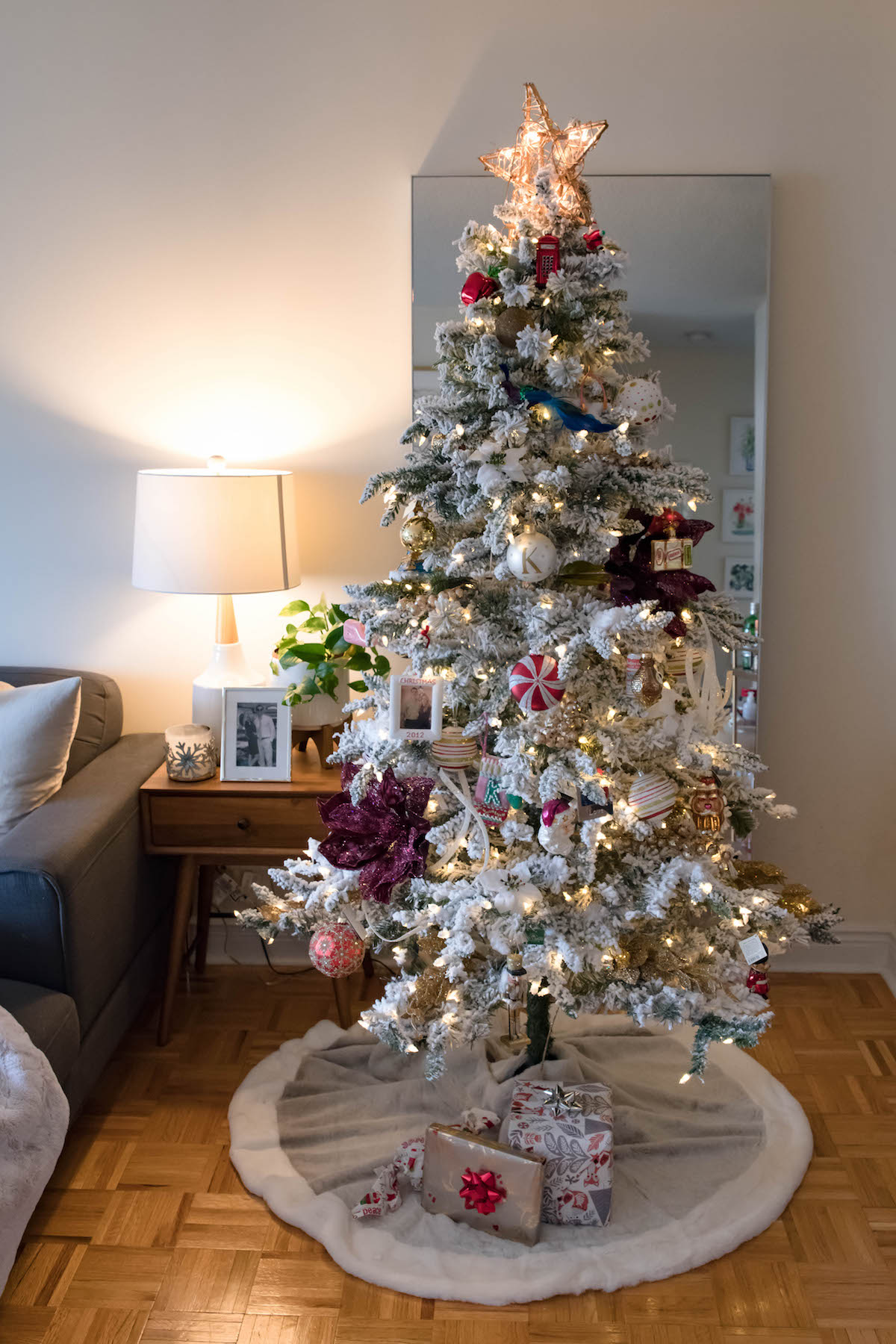 Best New York City Apartment Holiday Decorations Katie S Bliss This Month