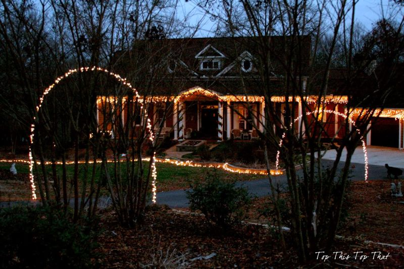 Best How To Decorate Your House With Christmas Lights This Month
