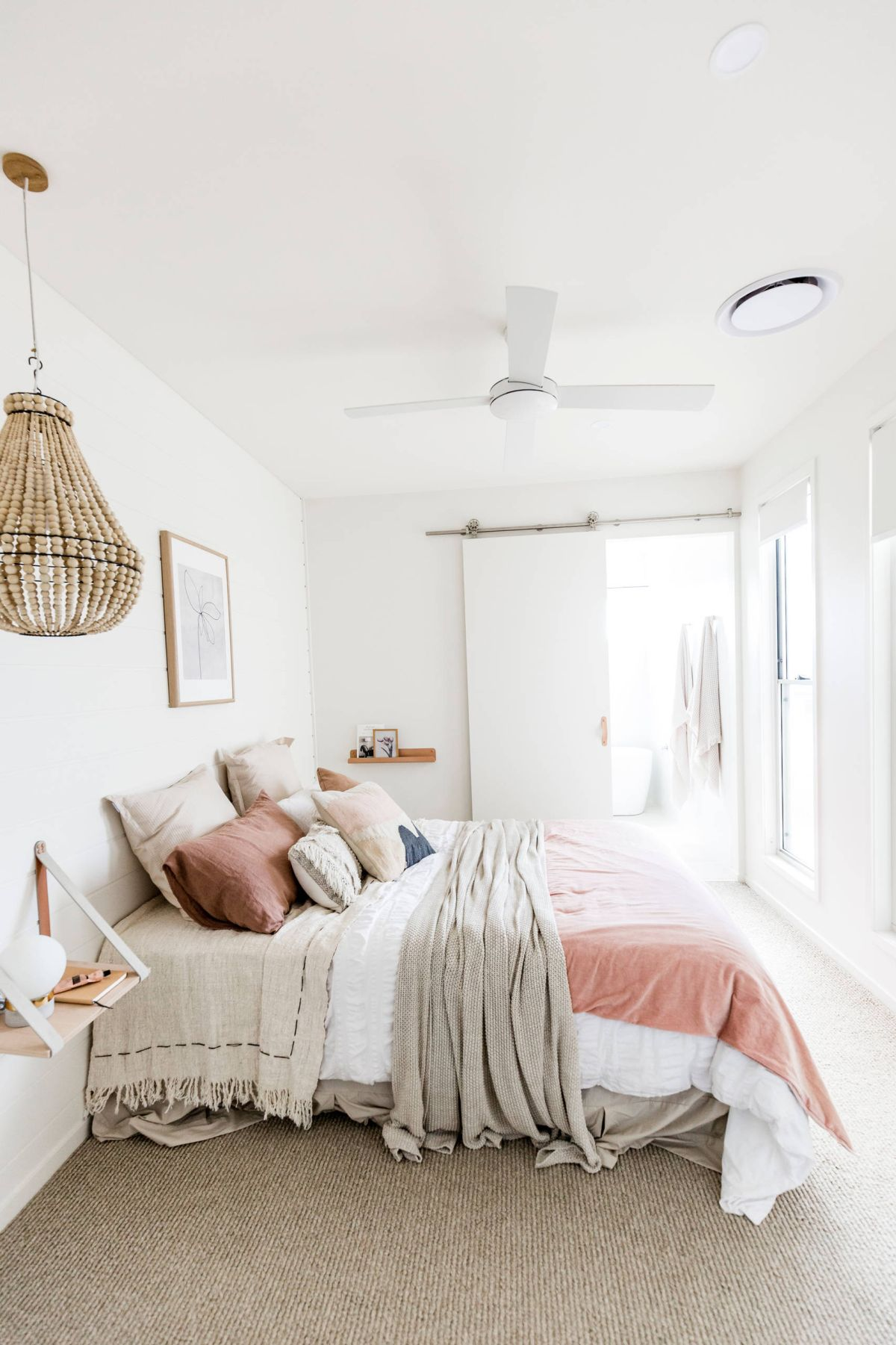 Best 40 Beach Themed Bedrooms To Take You Away This Month