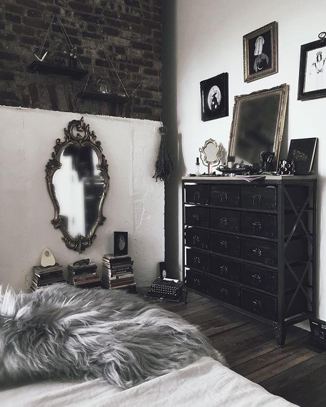 Best 25 Goth Bedroom Ideas On Pinterest Gothic Bedroom This Month