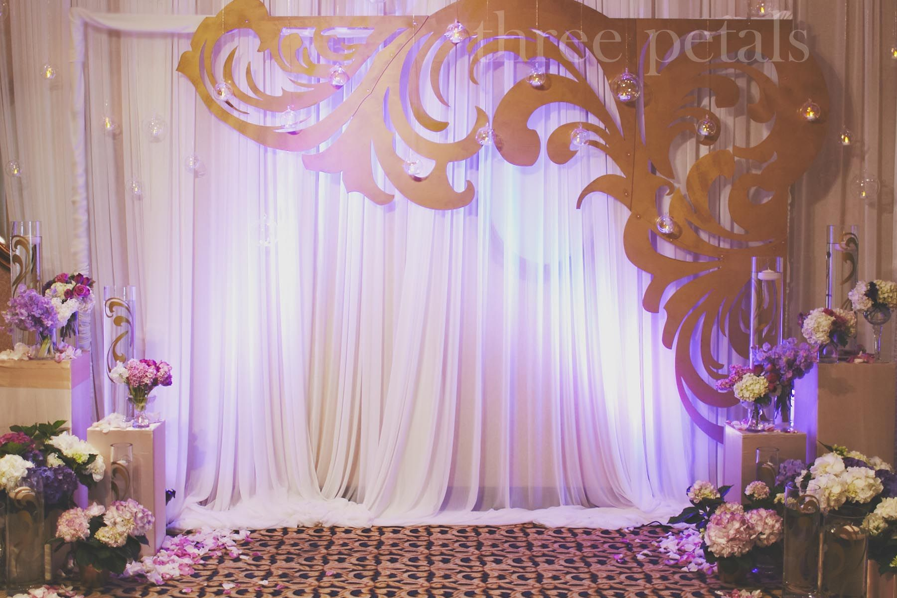 Best Wedding Backdrop With Decorative Cutout Wedding This Month