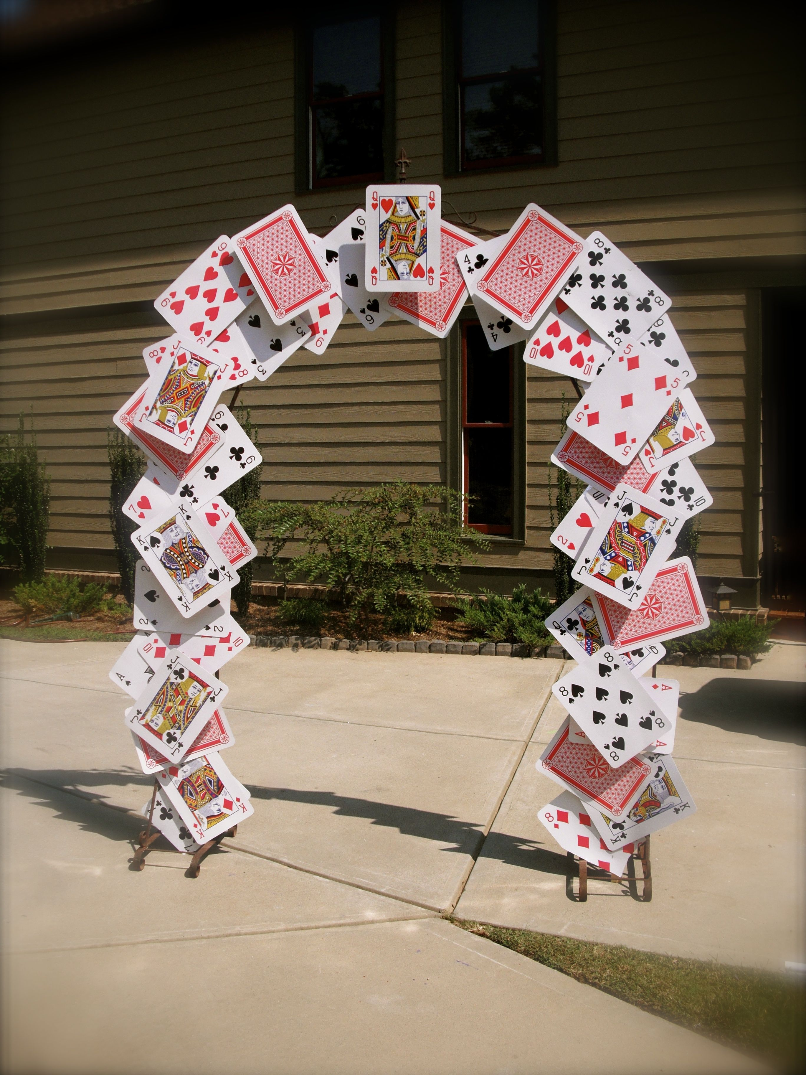 Best Card Arch For Alice In Wonderland Party Props Alice In This Month