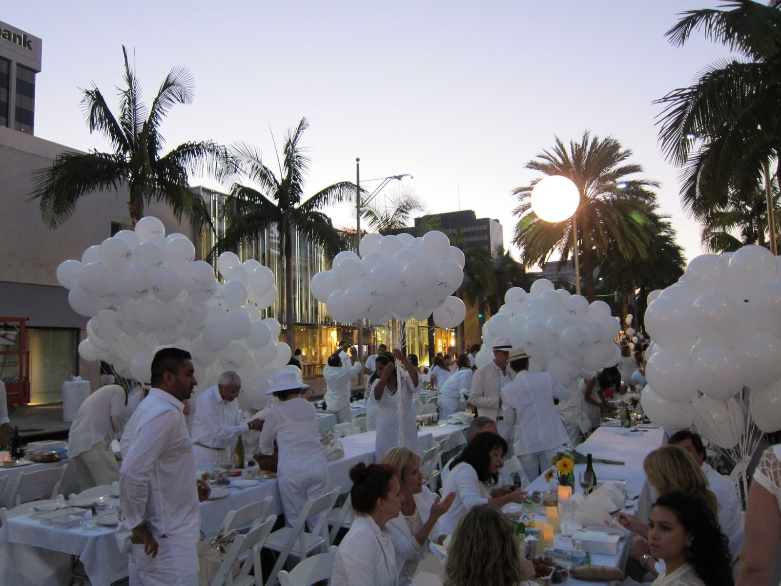 Best Diner En Blanc All White Party Los Angeles Palm Trees This Month