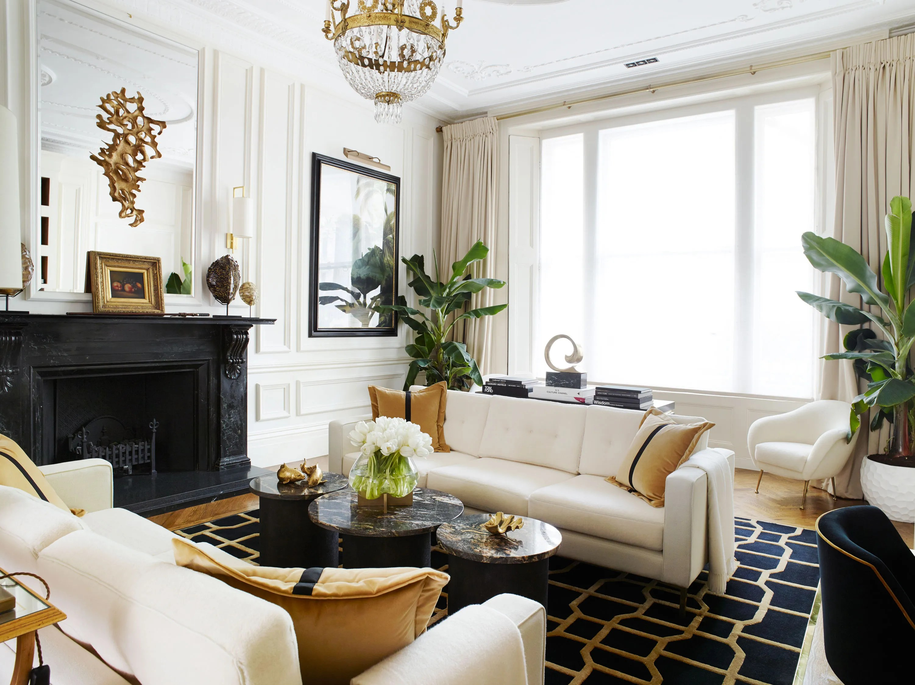 Best A Classic London Townhouse Apartment Gets A Glamorous Art This Month