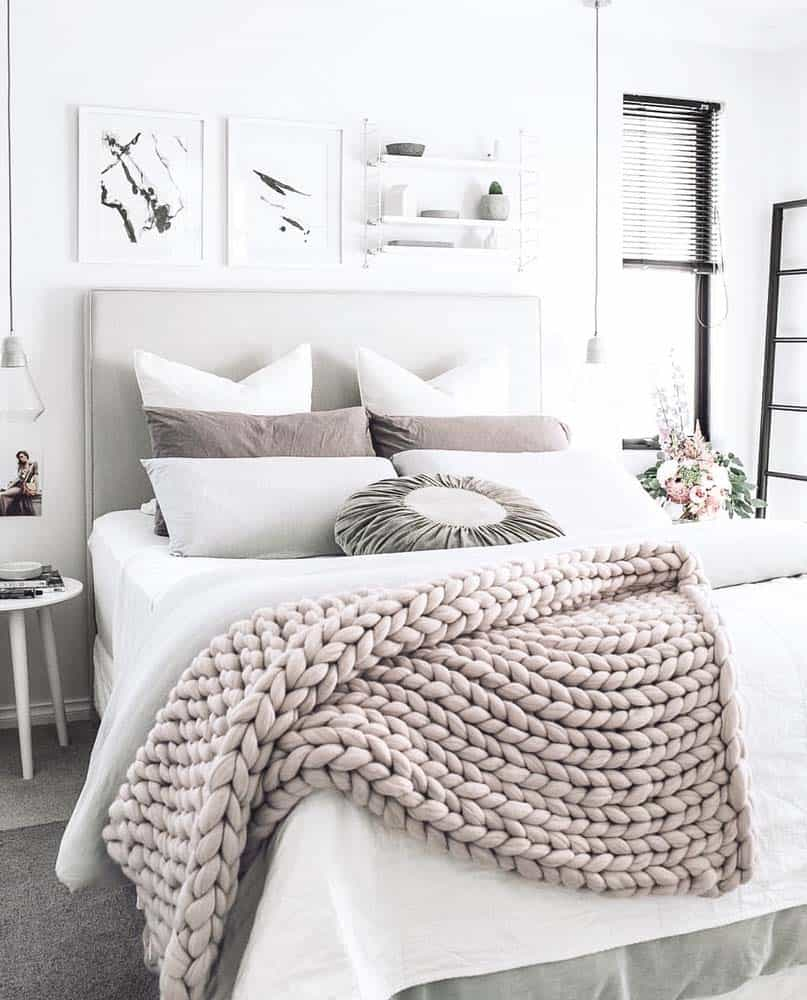 Best 25 Insanely Cozy Ways To Decorate Your Bedroom For Fall This Month