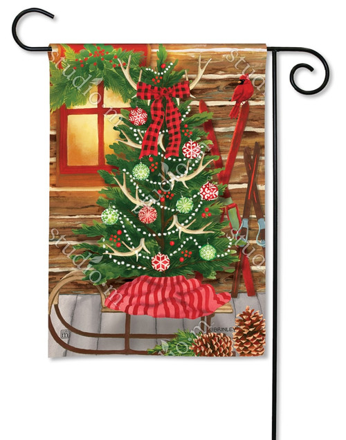 Best Decorative Christmas Garden Flags – Colorful Outdoor Yard This Month