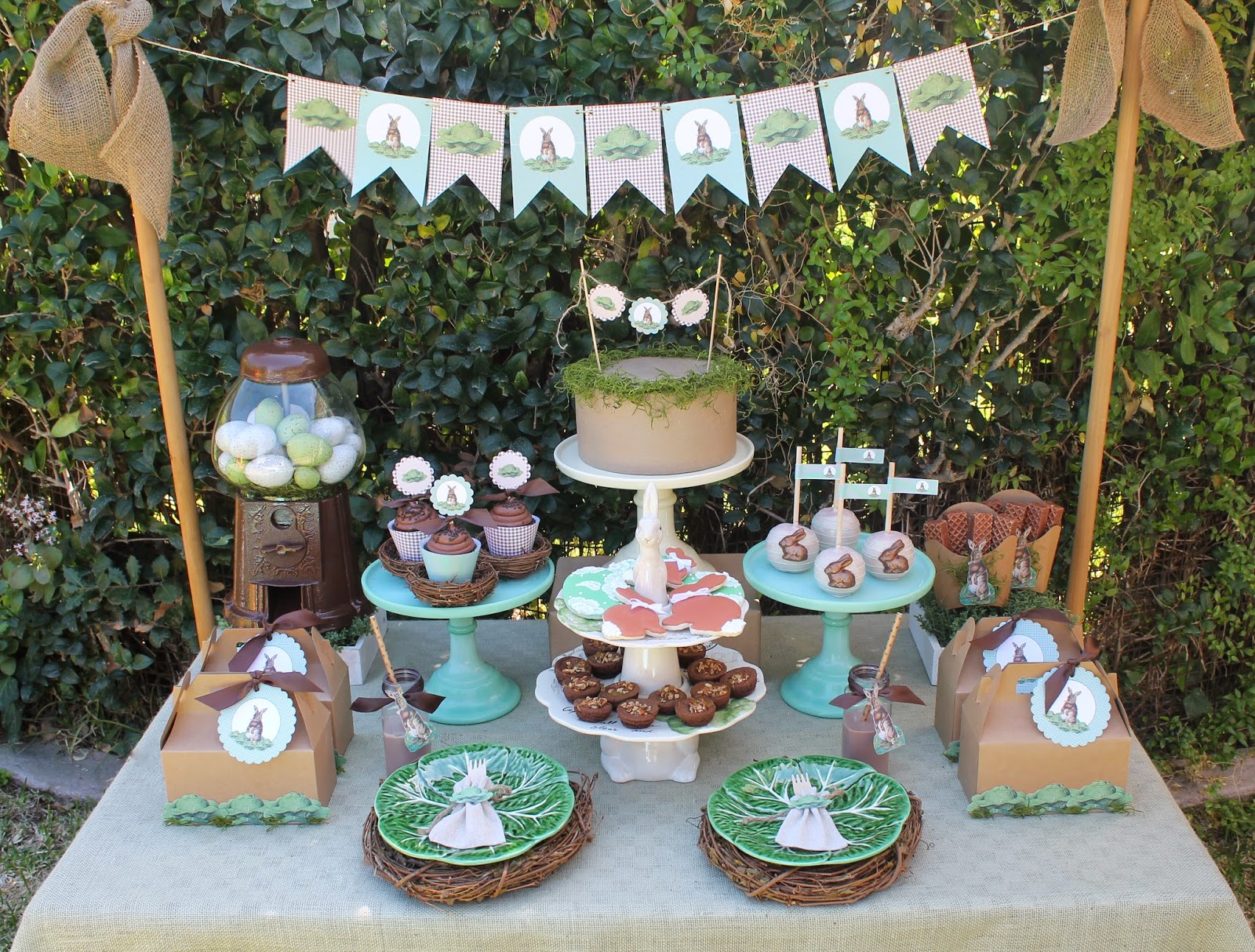 Best Vintage Easter Party Ideas Laura S Little Party This Month