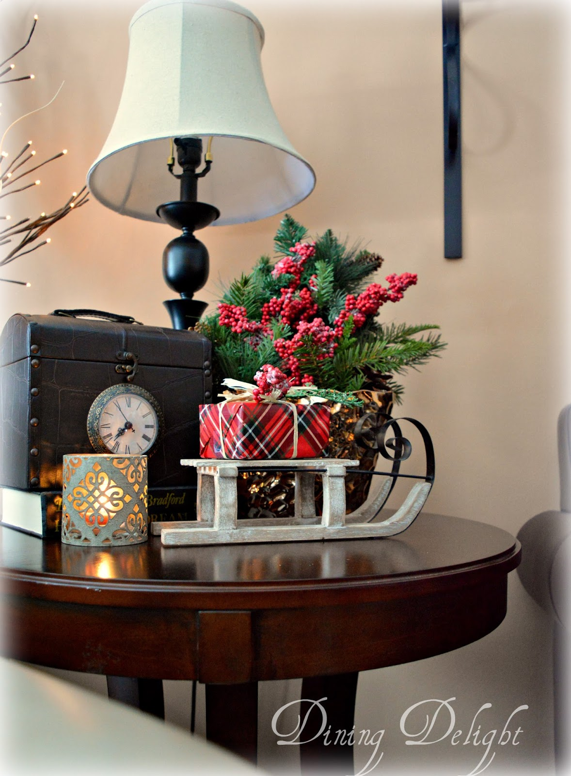 Best Dining Delight Christmas Decor For End Tables This Month