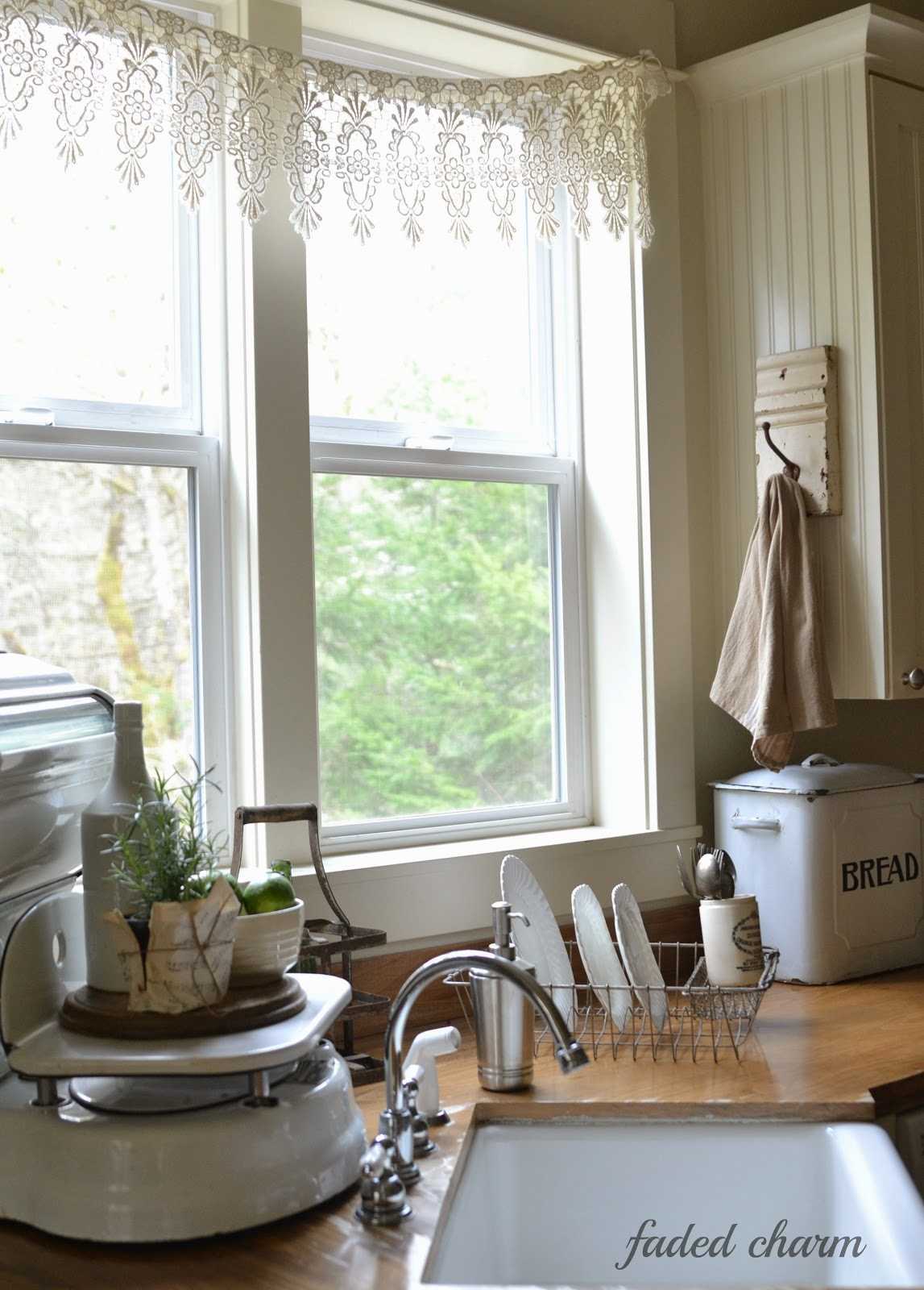 Best Salvaged Kitchen Decorating Ideas From Crates To This Month