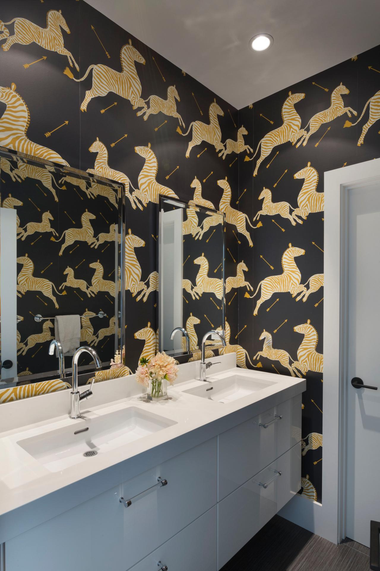 Best 15 Beautiful Reasons To Wallpaper Your Bathroom Hgtv S This Month