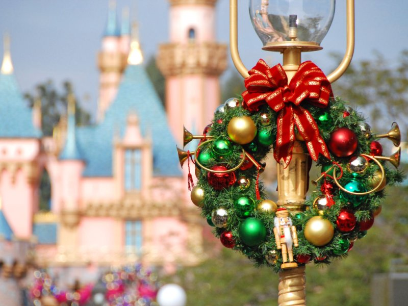 Best Mouseplanet Disneyland Christmas Desktops By Frank Anzalone This Month