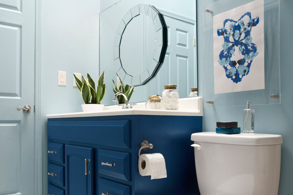Best 21 Small Bathroom Decorating Ideas This Month