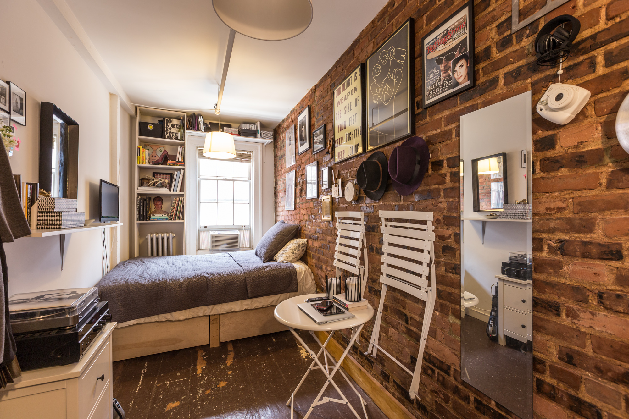 Best How One New Yorker Lives Comfortably In 90 Square Feet This Month