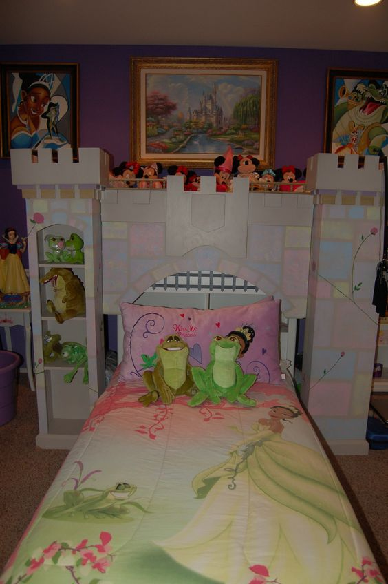 Best Disney Princess Bedroom Princess Bedrooms And Frogs On This Month