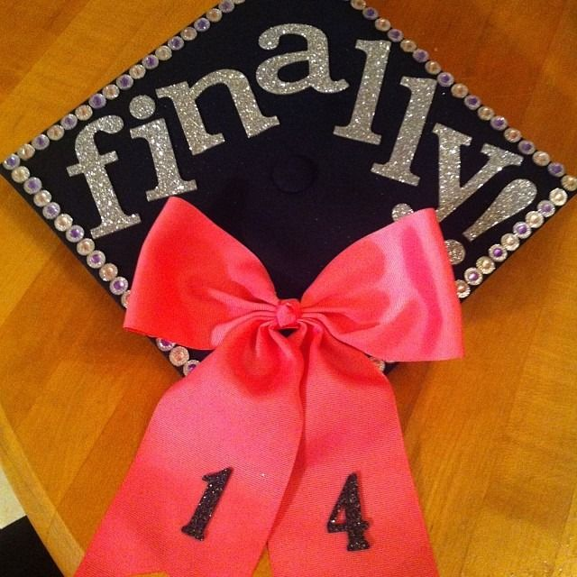Best 1000 Ideas About Decorated Graduation Caps On Pinterest This Month