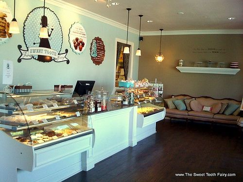 Best 25 Cake Shop Interior Ideas On Pinterest Bakery This Month