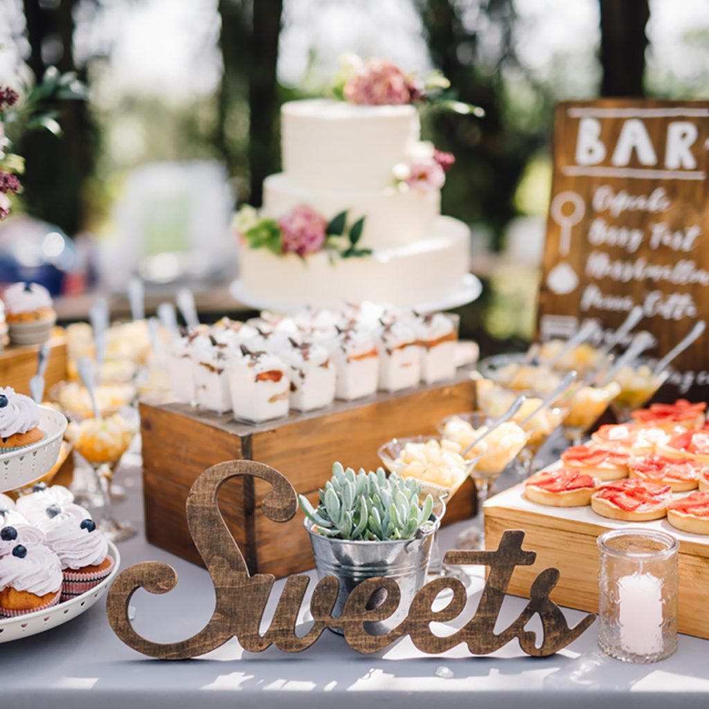 Best 10 Dessert Table Ideas To Make Your Wedding Reception This Month