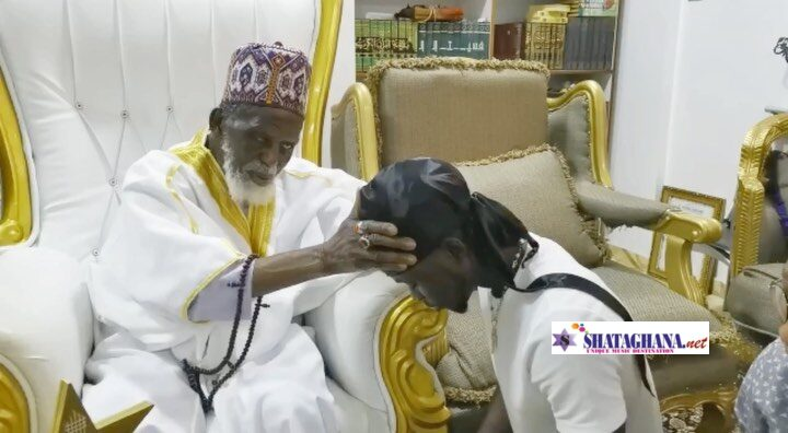 Kuami Eugene Visits National Chief Imam, Osman Nuhu Sharubutu After Winning Artiste Of The Year At The Just Ended VGMA