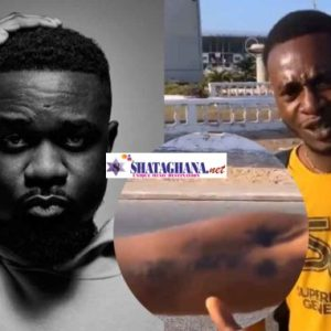 Sarkodie's reaction after meeting die-hard fan who tattooed his name on his arm