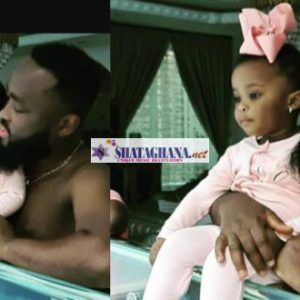 Baby Maxin already learning how to swim? – Check this photo out