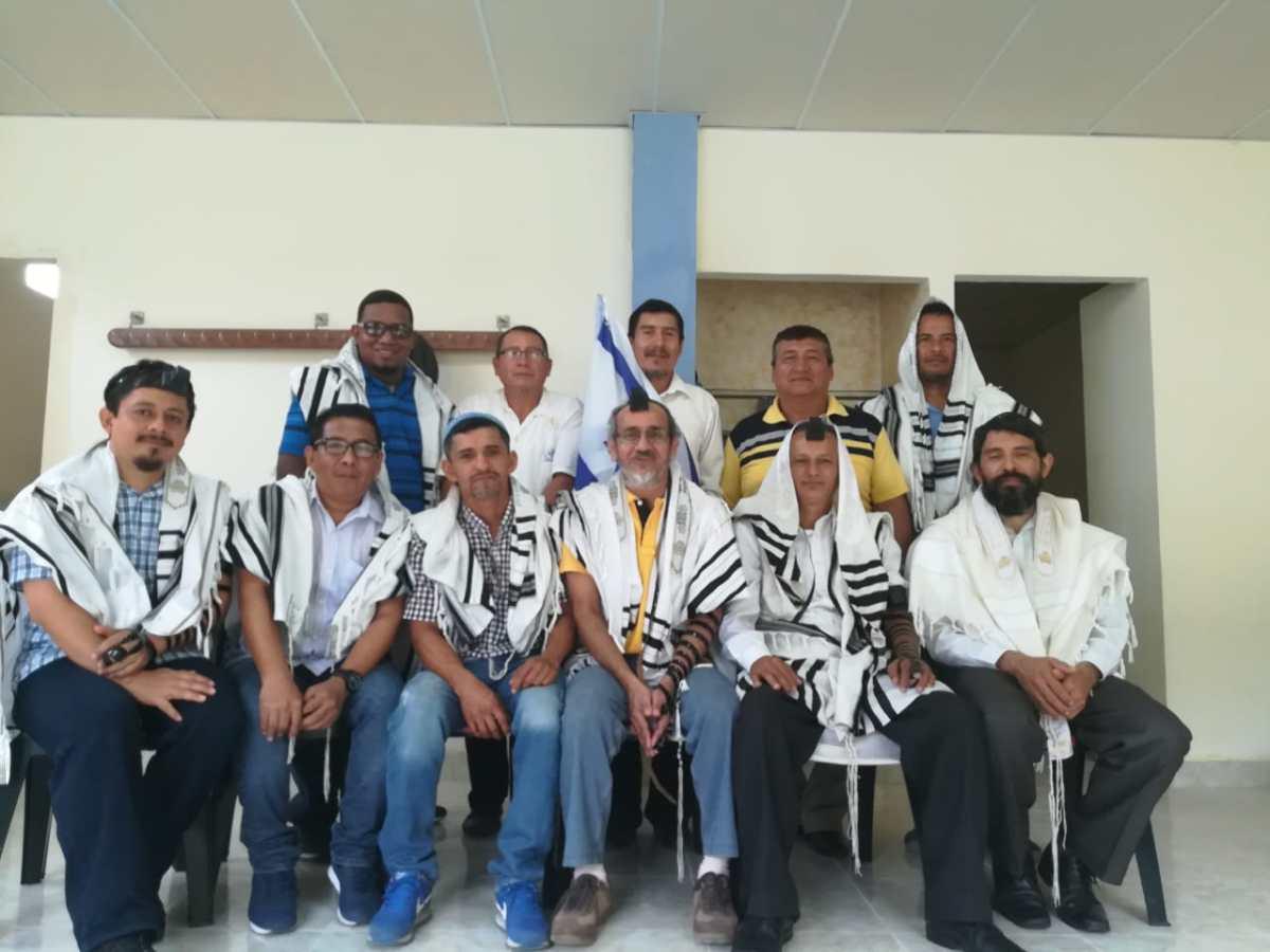 WYSŁANNIK SHAVEI ISRAEL ODWIEDZIŁ WSPÓLNOTĘ BEIT TOLDOT W EKWADORZE