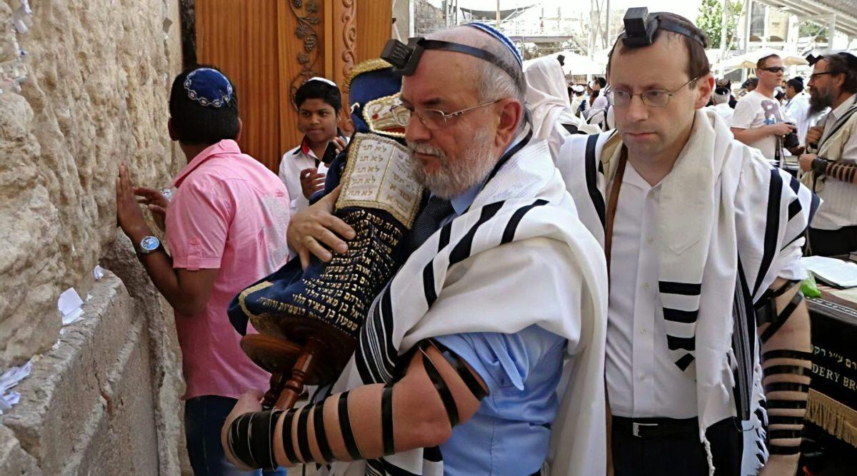 Kiedy starsi ludzie na łożach śmierci ujawniają, że są Żydami ich dzieci często wracają do judaizmu