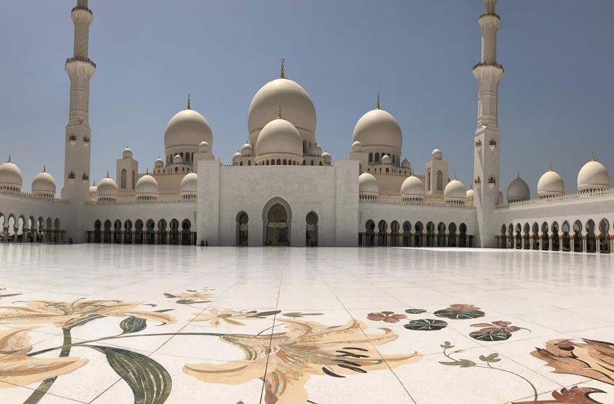The Sheikh Zayed Grand Mosque, the most beautiful mosque