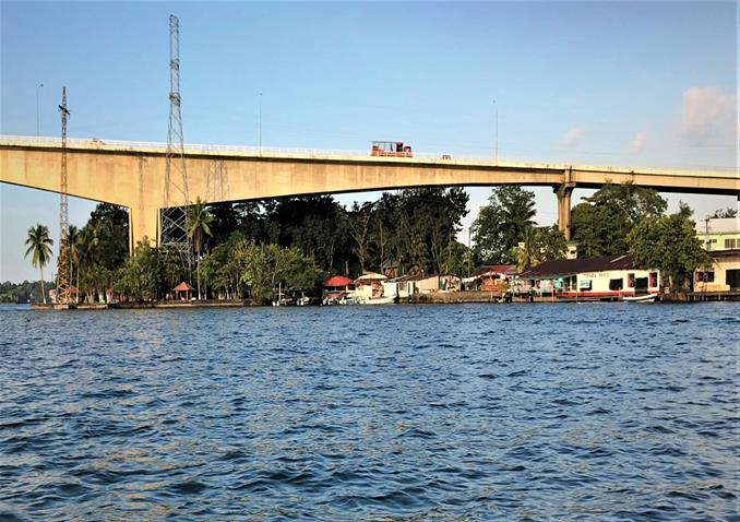 Bridge spanning the Rio Dulce River