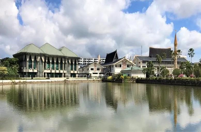 Beautiful buildings across the water - Bandar Seri Begawan, Brunei