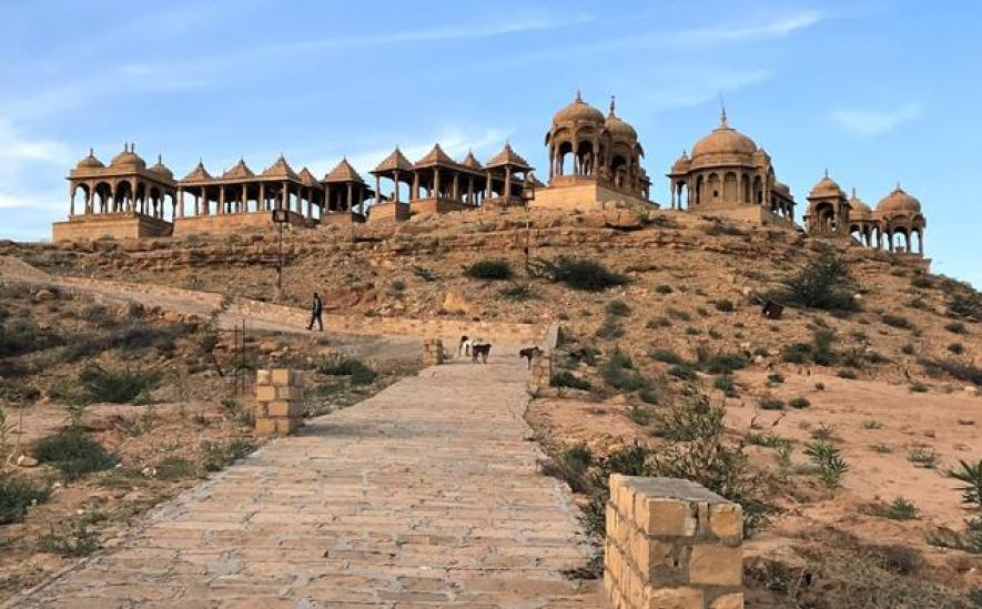 The beautiful temples of Bara Bagh in Jaisalmer