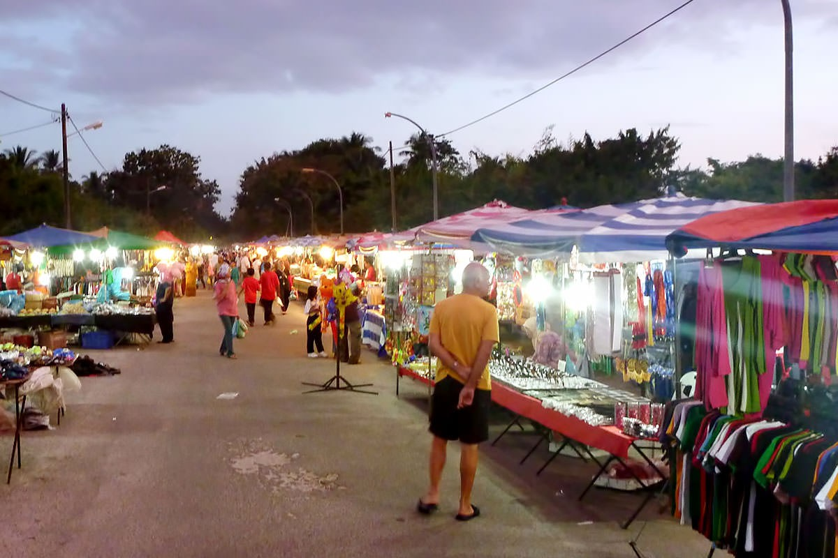 نتيجة بحث الصور عن السوق الليلي لنكاوي