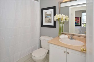 35 MERTON STREET - SUITE #606 - 4-PIECE BATHROOM
