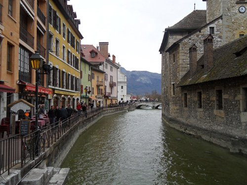 Annecy-at-the-Thiou-Canal