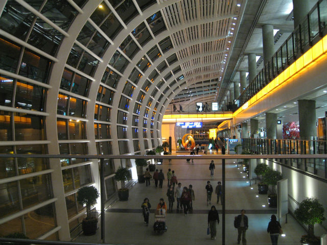 Best Airports for a Layover - Hong Kong Airport