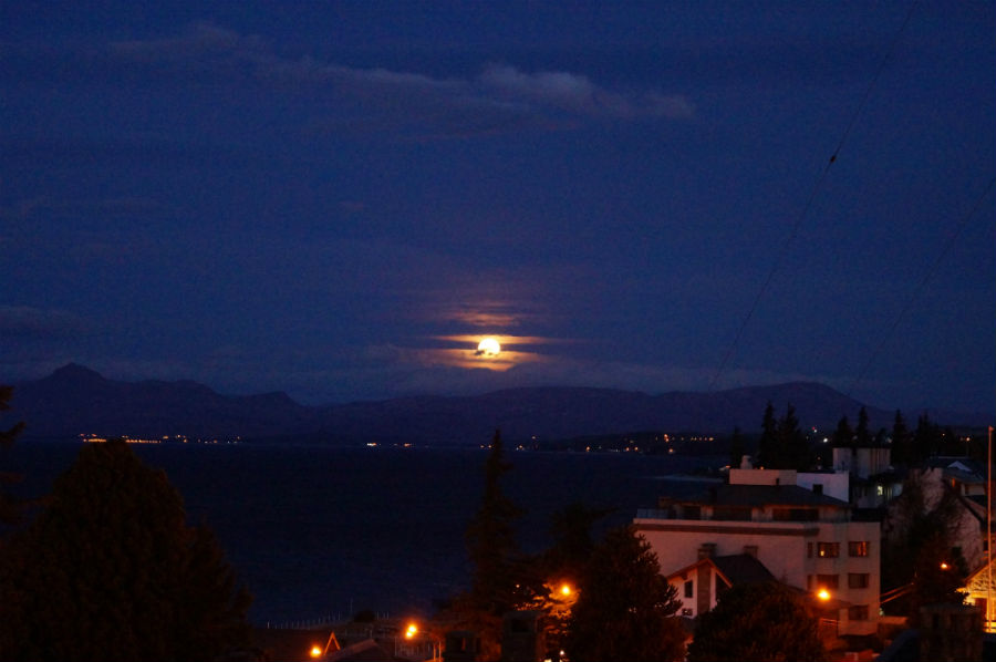 Moonrise in Bariloche