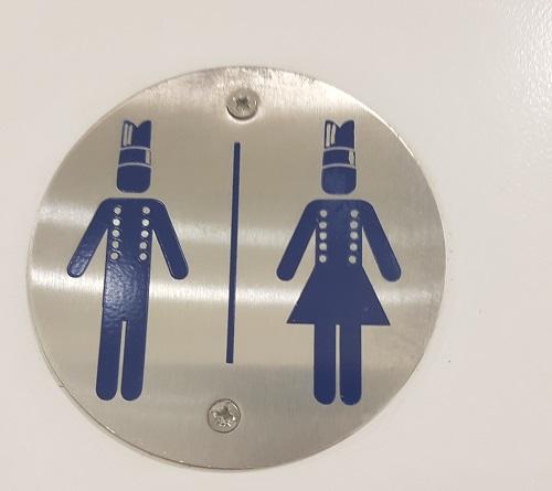 Toilet door sign with chef hats / Le Cordon Bleu with parmigiano reggiano / SHE-EATS