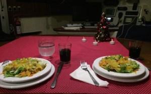 Weihnachtlicher Tisch, vor allem ist er mal endlich aufgeräumt ;-)